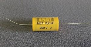 8,2 uF MET kondensator